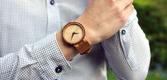 Une montre qui s'adapte à tous les looks - 7 Plis    Wood watch Skateboard, Pli, Wood Watch, Watches, Watch, Skateboarding, Wooden Clock, Wristwatches, Skate Board