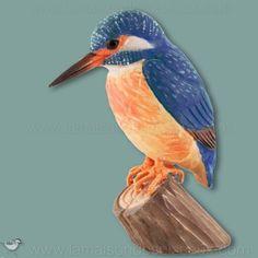 Martin pecheur. Sculpture grandeur nature en bois peint à la main. Les yeux sont en verre et les pattes en métal. Livré sur un petit socle en bois. Dimensions: oiseau seul H 12 cm. Fabrication 100% artisanale.