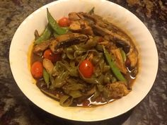 Spinach Shiritaki Noodles with Chicken and Marinara