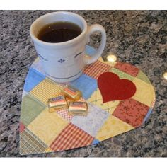 Love this little heart mug rug by the people at Accuquilt.
