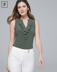 White House Black Market Women's Knit Tops & Tees are the epitome of ease. Find Women's Tunics, Tees & More perfect for layering or wearing alone. Western Tops, Blouse Outfit, Blouse Designs, Blouses For Women, Fashion Dresses, How To Wear, Clothes, Sleeveless Tops, White Women