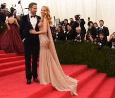 Pin for Later: The Most Stunning Met Gala Staircase Shots  Ryan Reynolds and Blake Lively stopped on a landing.