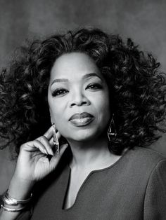 Oprah Winfrey Photos: 17 Extraordinary Female Leaders, from Sheryl Sandberg to Hillary Clinton Oprah Winfrey, Actrices Sexy, Business Portrait, Business Photos, Badass Women, Successful Women, Iconic Women, Ted Talks, Beautiful Celebrities