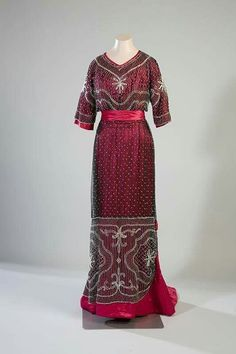 Evening dress, 1910 Turun museokeskus