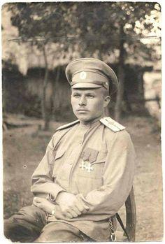 Авиатор Вишняков - первый полный георгиевский кавалер среди летчиков.