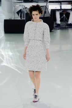 Chanel – Haute Couture Spring / Summer 2014. Fotos © Imaxtree. #dress #chanel #elle_de