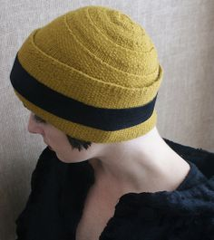 Daisy Cloche from Literary Knits | http://www.ravelry.com/patterns/library/daisy-cloche-3