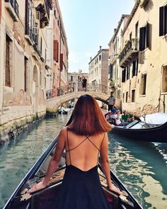 Nicole Warne in Venice