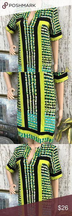 BCBG Maxazira Dress BCBG Maxazira Dress. Like New. Size Small. Graphic Print with gorgeous colors. So Fabulous❤️ BCBG Dresses