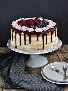 Slavnostní narozeninový dort - piškot + mascarpone krém Croatian Recipes, Food Hacks, Catering, Food To Make, Cheesecake, Food And Drink, Birthday Cake, Ice Cream, Sweets
