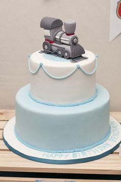Train cake by Cake Ink. (Janelle), via Flickr