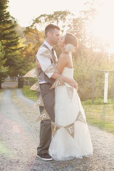 Real Wedding: Amy and Nick's .Beautiful DIY Vintage Inspired B.C. Winery Wedding
