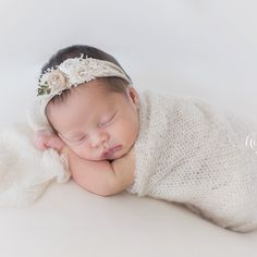 The StudioWE MOVED!!We are so excited to share with you our brand new studio!!Aimee Pool Photography has a beautiful natural light studio that has a warm and welcoming environment for families. The studio is stocked with organic wraps, hats, bonnets, headbands and baskets for newborns and…