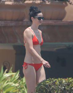 Pin for Later: Jessica Jones Star Krysten Ritter Kicks Back on the Beach in Mexico