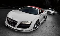 White n Red R8 spider