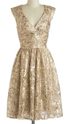 darling champagne-hued dress  http://rstyle.me/n/iaucdpdpe