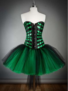 This dress eye hooks up the front and laces up the back for a super tight fit. The corset will give up to a 2 inch waist reduction. The corset is made Burlesque Corset, Sexy Corset, Gothic Corset, Black Corset, Black Tulle Dress, Dress Up, Pink Tulle, Dress Lace, Halloween Outfits