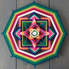 Mandalas 45 / 8 Puntas - verdelicious God's Eye Craft, Gods Eye, Rainbow Crafts, Magic Circle, Mandala Art, String Art, Hobbies And Crafts, Color Inspiration, Quilt Patterns