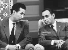 Hassan Ben Mohamed hosting to Mohamed Ben Bella FLN leader at palace. Le Roi Hassan 2, Morocco, Palace, Politics, King, World, Royals, Curvy, Royal Families