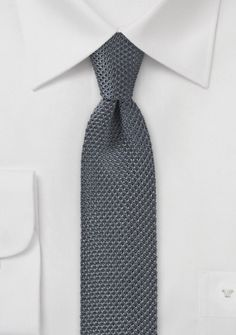 Seiden-Krawatte gewirkt dunkelgrau