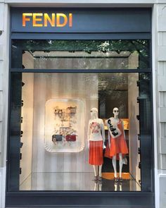 The Sweet Dream @fendi #visualmerchandising  #windowdisplay #retaillife #visualmerchandiser #fendi #thesweetdream #vmdaily via @motifay27
