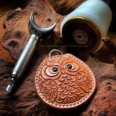 #leather #leatherart #leathercraft #leathercarving #leathertooling #leatherworkshop #trioleatherart #dinnidworkshop #workshop #workshop #hk #handmade #皮 #皮革 #皮雕 #革 #仨革藝