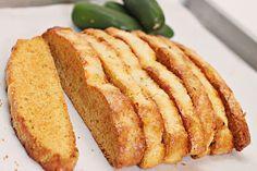 Jalapeno-Pepper Jack Cornbread Biscotti - Great to dip in soups or stews Biscotti Cookies, Biscotti Recipe, Savory Muffins, Italian Cookies, Stuffed Jalapeno Peppers, Cookie Recipes, Bread Recipes, Yummy Recipes, Cornbread