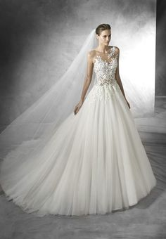 Pronovias Taciana Organza wedding dress with thread embroidery and gemstone embroidery. Bodice with sweetheart neckline and sheer illusion tulle overlay with thread and gemstone embroidery. Full plain tulle skirt, gathered at the waist. Pronovias Wedding Dress, Lace Wedding Dress, 2016 Wedding Dresses, Gorgeous Wedding Dress, Wedding Dress Styles, Bridal Dresses, Wedding Gowns, Tulle Wedding, Dresses 2016