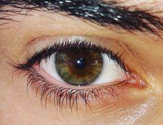 """""""Un occhio può minacciare come una pistola carica, oppure può insultare come sibili o calci nel suo stato d'animo alterato, essere un fascio di gentilezza. Può rendere il cuore danza di gioia… Una delle cose più belle in natura è lo sguardo dell'occhio; trascende le parole; è il simbolo corporeo dell'identità. Gli occhi sono lo specchio dell'anima... (Ralph Waldo Emerson) #me #jw #instamood #eyes #photooftheday #amazing #like4like #fashion #instagood #instalike #picoftheday #green #beautiful…"""