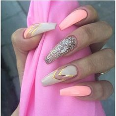 Long Pink & Nude Nails Headed on vacation? Opt for these super-girly shades. This nail design will make your tan really pop. The sparkly nail gives this manicure a gorgeous twist. Nude Nails + Glitter Tips Nude and creamy shades are a perfect choi Neon Nails, Dope Nails, Pink Nails, My Nails, Glitter Nails, Nails 2017, Pink Glitter, Matte Nails, Matte Pink