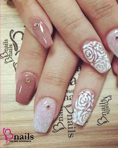 glitter acrylic nails with rose nail art,
