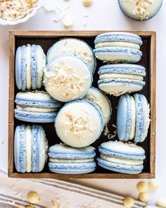 White Chocolate Coconut Macarons recipe by Camila Hurst Coconut Macarons Recipe, Macaroon Recipes, Dessert Recipes, Mini Desserts, Dessert Ideas, Summer Cookies, Easter Cookies, Baby Cookies, Valentine Cookies