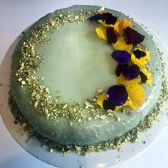 Recipe for Le Gateau Vert: Monet loved this pistachio-flavoured and spinach-coloured birthday cake, consisting of a Genoese sponge cake and homemade marzipan. British Bake Off Recipes, Great British Bake Off, Genoese Sponge, Monet, Spinach Cake, Genoise Cake, Yummy Treats, Sweet Treats, Green Cake