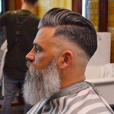 Really Stylish Haircuts Faded Wirklich stilvolle Frisuren verblasst - Beard Haircut, Fade Haircut, Barber Haircuts, Haircuts For Men, Barber Haircut Styles, Hairstyles Haircuts, Cool Hairstyles, Popular Hairstyles, Latest Hairstyles