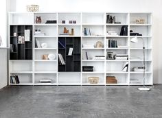 Design your own Lecco wall system and fill it out with books, pictures and skulptures to make it even more personal!