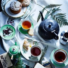 Buongiorno a voi,cari amici !  Guten morgen lieber freunde! Jó napot, kedves barátaim! Good morning my dear friends! Bună dimineața dragi prieteni!