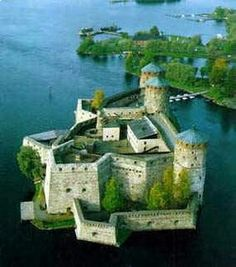 Olavinlinna Castle in Finland. Olavinlinna is a three-tower castle located in Savonlinna, Finland. It is the northernmost medieval stone fortress still standing. Places Around The World, Oh The Places You'll Go, Places To Travel, Places To Visit, Around The Worlds, Chateau Medieval, Medieval Castle, Beautiful Castles, Beautiful Places