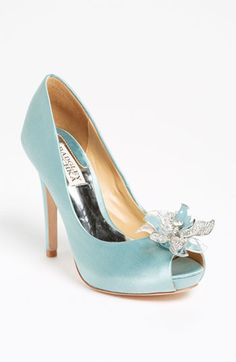 I think I found my wedding shoes but in the neutral color :) Badgley Mischka 'Cleone' Pump Pretty Shoes, Beautiful Shoes, Cute Shoes, Me Too Shoes, Bridal Shoes, Wedding Shoes, Wedding Bride, Satin Pumps, Badgley Mischka