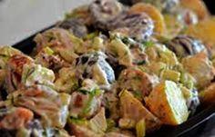 Romerige Biltong en Feta Aartappelslaai 3 lekkerte in een slaai, staatmaker slaai ! Braai Recipes, Cooking Recipes, Healthy Recipes, Healthy Salads, Yummy Recipes, South African Dishes, South African Recipes, Patato Salad, Biltong