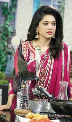Sanam jung..looking gorgeous in these nizam jewellery