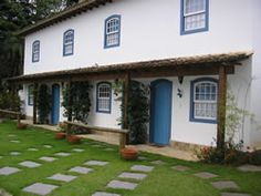 Saíra Azul Flats - Paraty, Brasil  http://www.facebook.com/SairaAzulFlats.Paraty