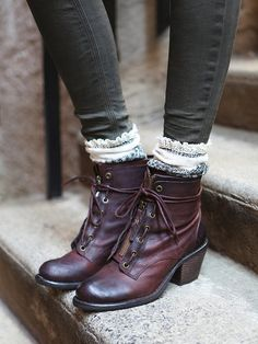 socks and boots Sock, Fashion, Fall Clothes, Leather Boots, Summer Outfits, Aberdeen Lace, Summer Clothes, Shoe, Style Clothes
