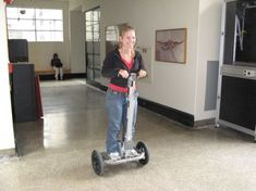 Th DIY Segway is a two-wheeled balancing scooter made by high school students along with MIT students over the summer of Iot Projects, Arduino Projects, Diy Projects To Try, Project Ideas, Diy Electronics, Electronics Projects, Balancing Robot, Plc Programming, Diy Tech