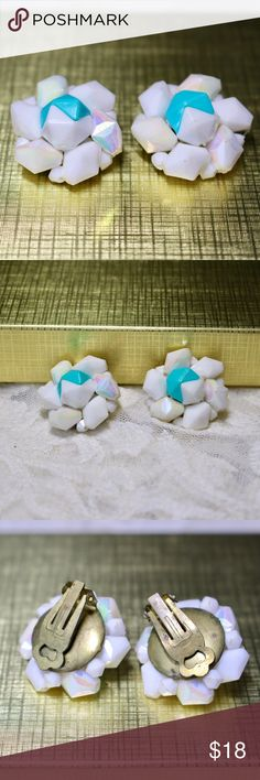 🆕Geometric Flower Earrings 🔹Geometric flower earrings in blue & white.🔹Gold tone metal.🔹Vintage clip-ons.🔹No trades/off-Posh transactions.🔹Reasonable offers welcome! Vintage Jewelry Earrings