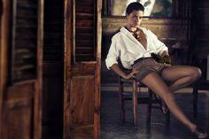 Adriana Lima - Safari style #travelshopa #fashion #style