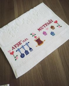 Cross Stitch Patterns, Diy, Monogram, Dish Towels, Towels, Diy And Crafts, Needlepoint, Embroidered Towels, Cross Stitch Kitchen