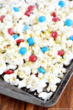 Patriotic White Chocolate Popcorn - A Pumpkin And A Princess 4th Of July Party, Patriotic Party, Fourth Of July, White Chocolate Popcorn, Melting White Chocolate, Holiday Snacks, Holiday Recipes, Red White And Boom, A Pumpkin