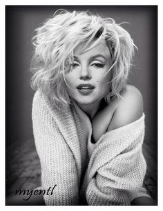 Marilyn Monroe Photoshop by Myentl