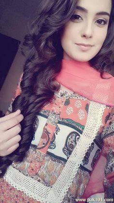 Iqra Aziz previous look👌👌 Cute Celebrities, Celebs, Iqra Aziz, Stylish Dpz, Pakistan Fashion, Stylish Girl Pic, Girls Selfies, Pakistani Actress, Girls Dpz