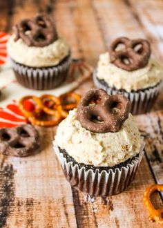 Chocolate Cupcakes with Pretzel Buttercream